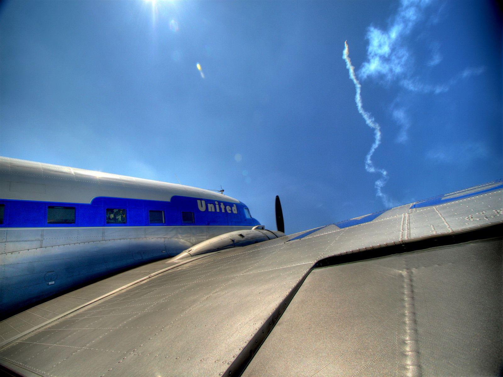 3d обои крыло самолета united самолеты