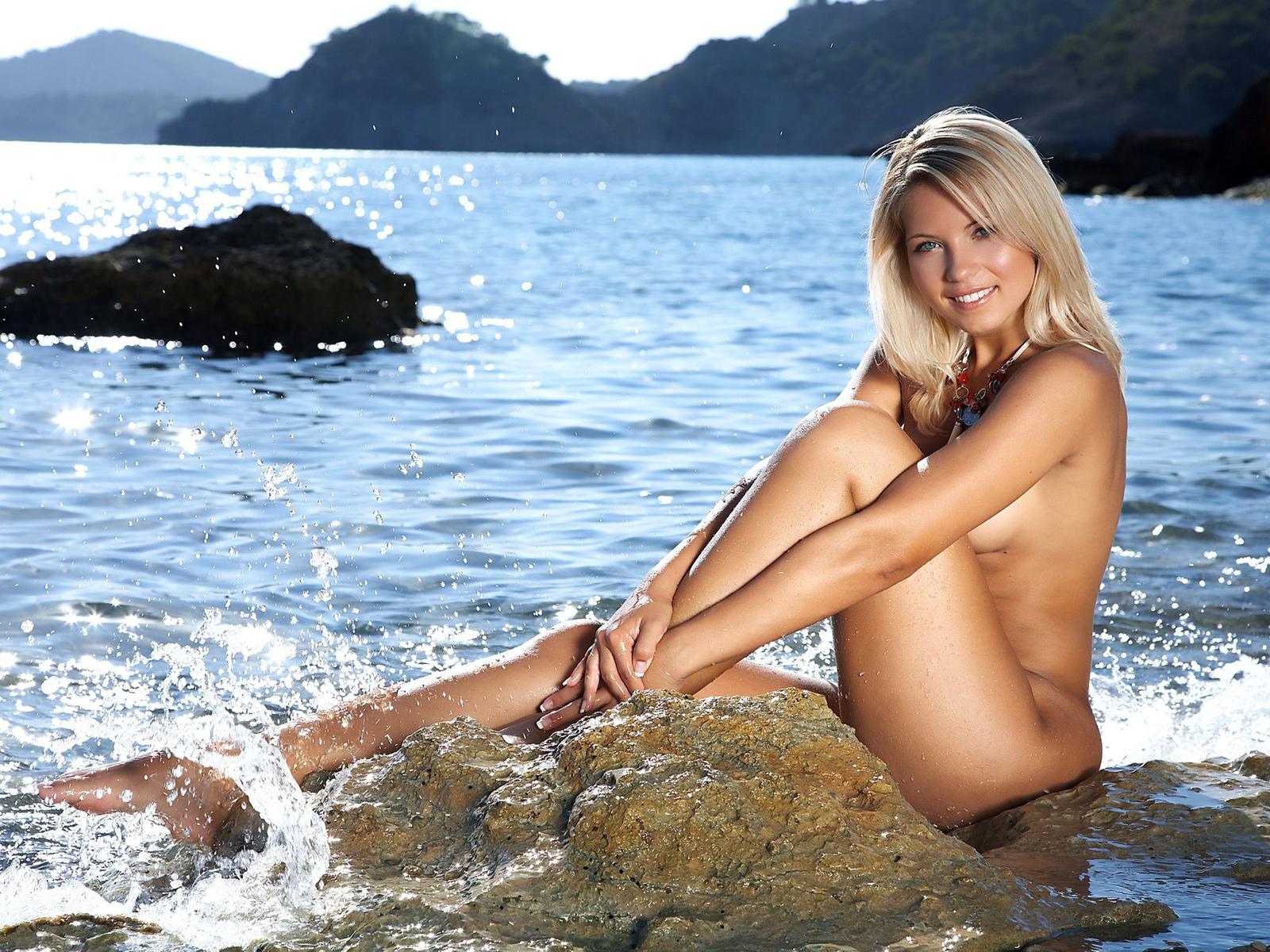 Секс после купания в море зеленое белье 24 фотография