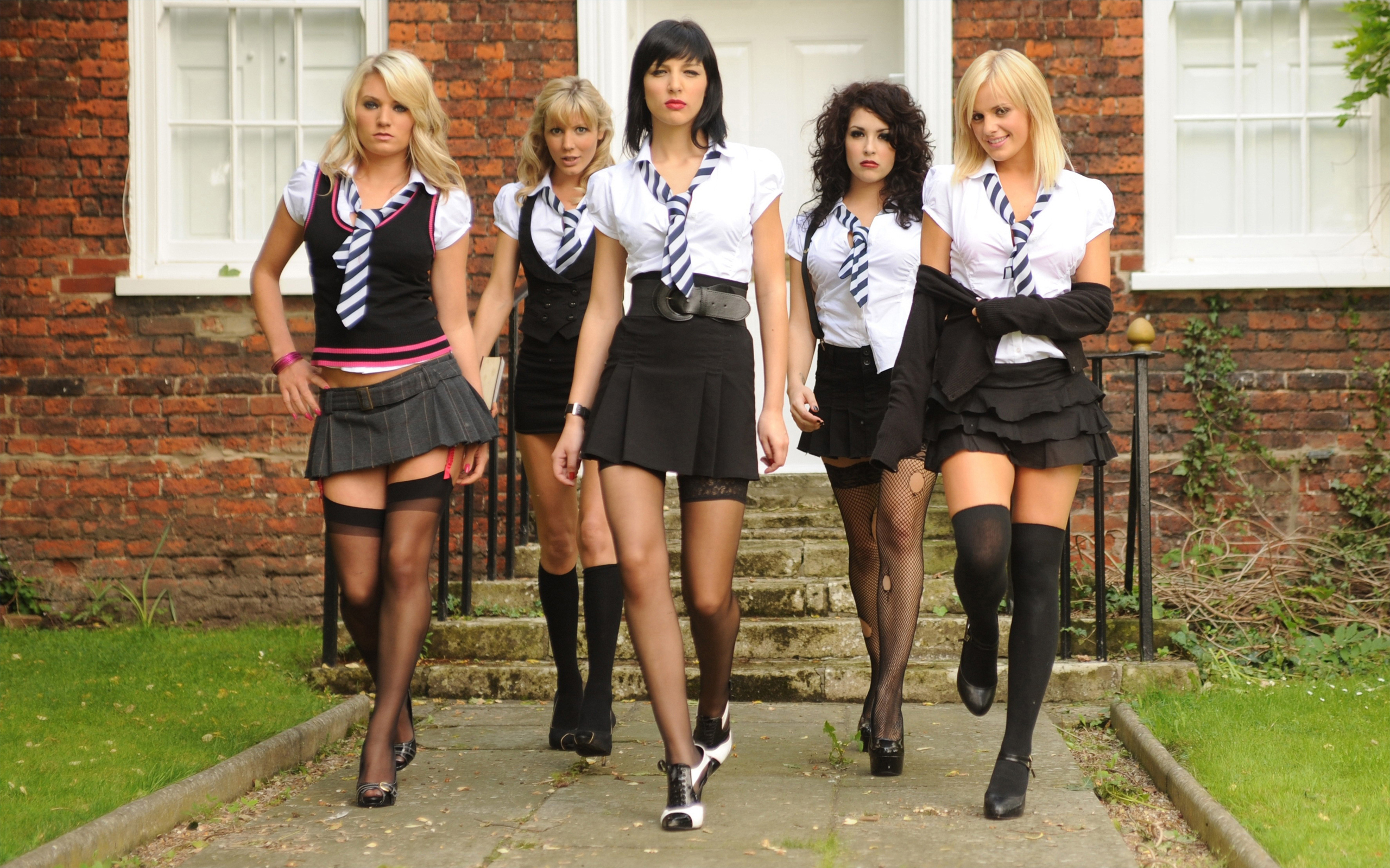 Photo schoolgirls in tights.