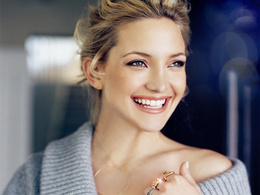 Wallpaper Kate Hudson in a gray jacket movie