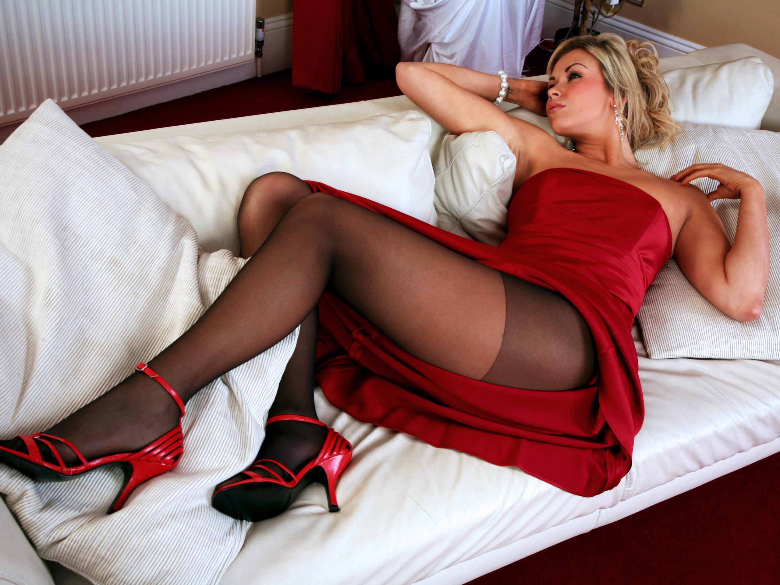 Секси девочки в красных 18 фотография