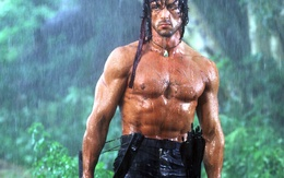 """Wallpaper Silvestor Stallone in the movie """"Rambo"""" with onions, stripped to the waist water"""