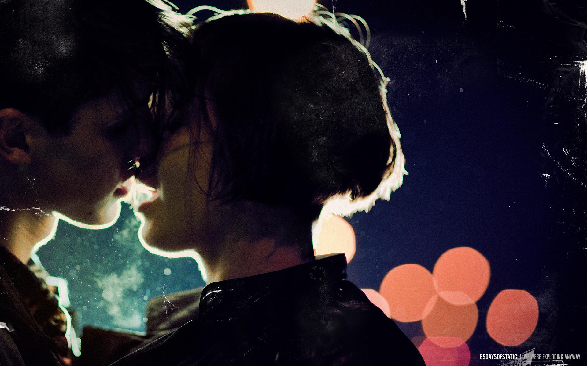 Фото как девушка целуется 9 фотография