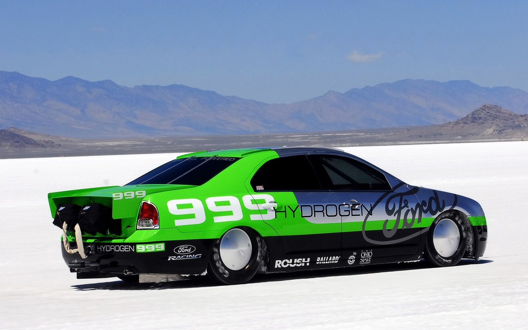 3d обои Ford Fusion Hydrogen-999-Land Speed Record Ford Fusion Hydrogen 999 Marks Milestone 6 в горах  снег # 80412