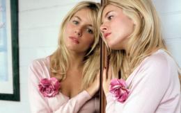 Wallpaper Sienna Miller sad movie in the mirror