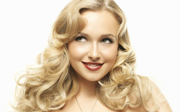 Wallpaper Hayden Panettiere with a flirtatious glance movies